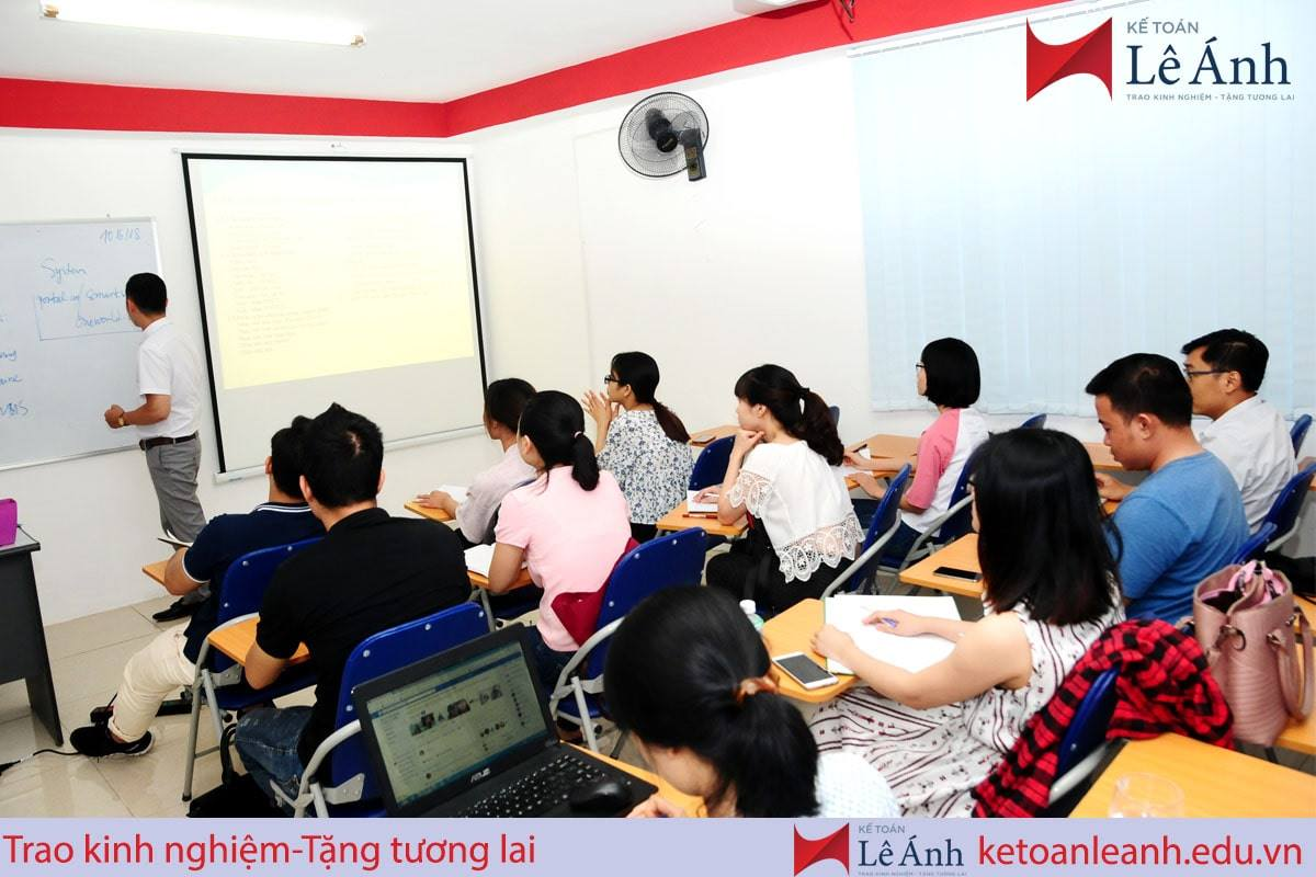 Khoá học tin học văn phòng tại trung tâm Lê Ánh