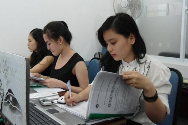 Bài tập về kế toán chi phí sản xuất và tính giá thành sản phẩm - bài 5 tự giải